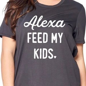 Scoop neck Alexa Graphic Tee